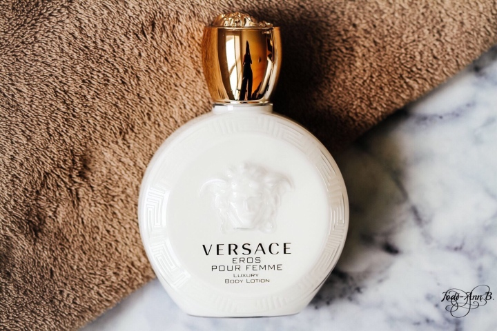 SMELL ELEGANT WITH VERSACE LUXURY BODY LOTION