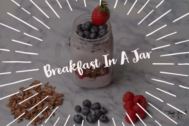 HEALTHY ON-THE-GO BREAKFAST JAR